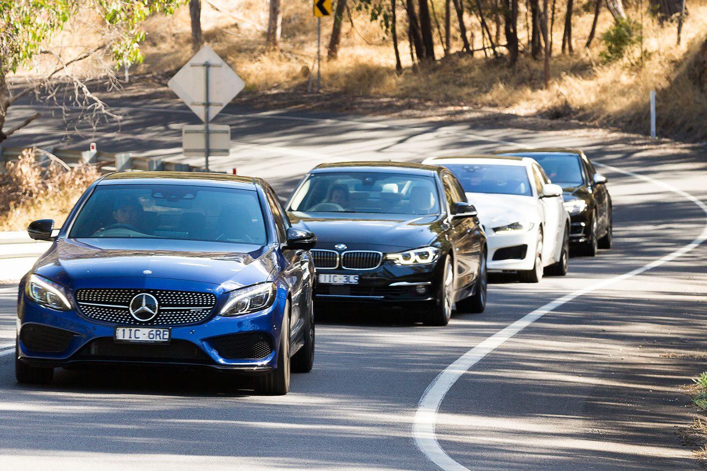 Vì sao BMW và Mercedes-Benz không thành công với xe giá rẻ?