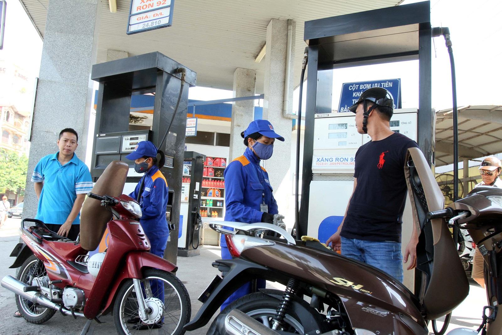 """Giá xăng có thể giảm """"siêu sốc"""