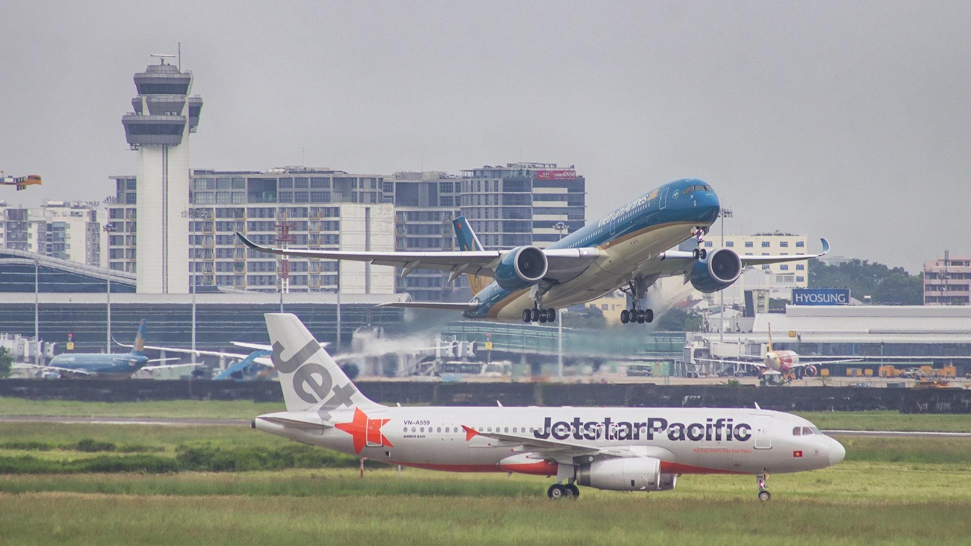 Hạn chế chuyến bay từ Hà Nội, TPHCM đi các nơi trên toàn quốc