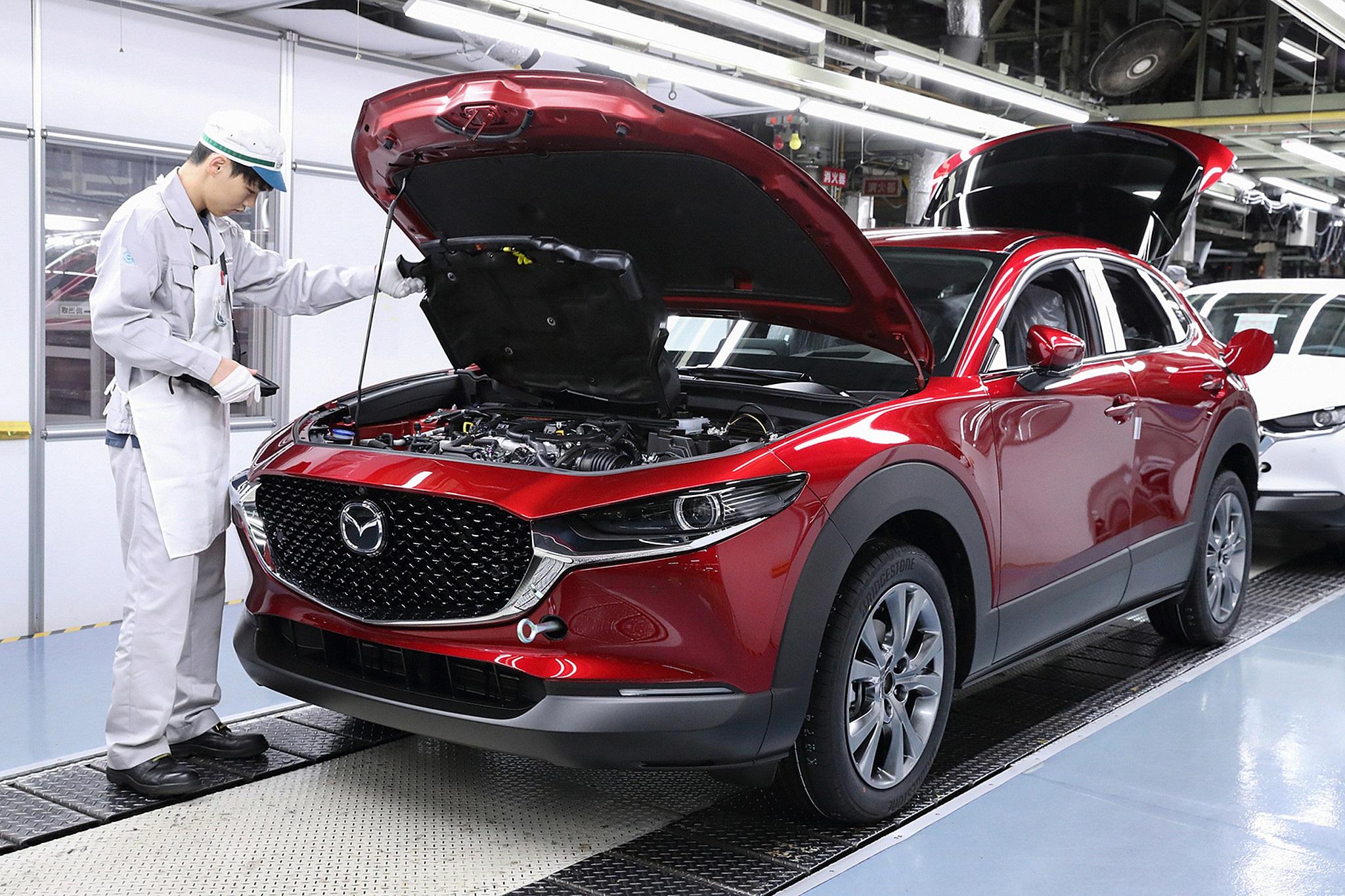 Mazda tạm dừng sản xuất tại nhiều nhà máy
