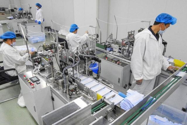 """Sản xuất khẩu trang thành """"máy in tiền"""" tại Trung Quốc giữa dịch Covid-19 - 1"""