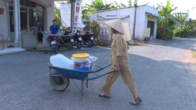 Vĩnh Long: Điều xe chữa cháy cấp nước sạch cho người dân vùng mặn - 3