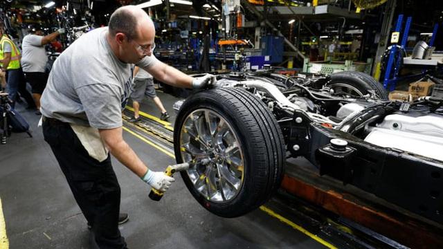 Ford và Fiat Chrysler lên kế hoạch tái khởi động sản xuất tại Bắc Mỹ - 1
