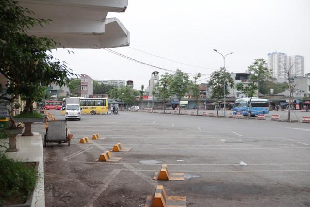 Hà Nội: Nhiều bến xe trống trơn trong ngày đầu dừng toàn bộ xe trên 9 chỗ - 12