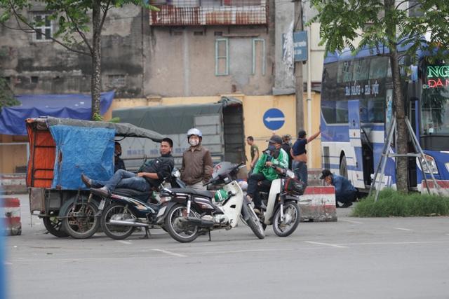 Hà Nội: Nhiều bến xe trống trơn trong ngày đầu dừng toàn bộ xe trên 9 chỗ - 16