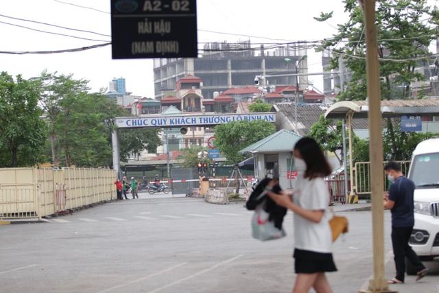Hà Nội: Nhiều bến xe trống trơn trong ngày đầu dừng toàn bộ xe trên 9 chỗ - 18
