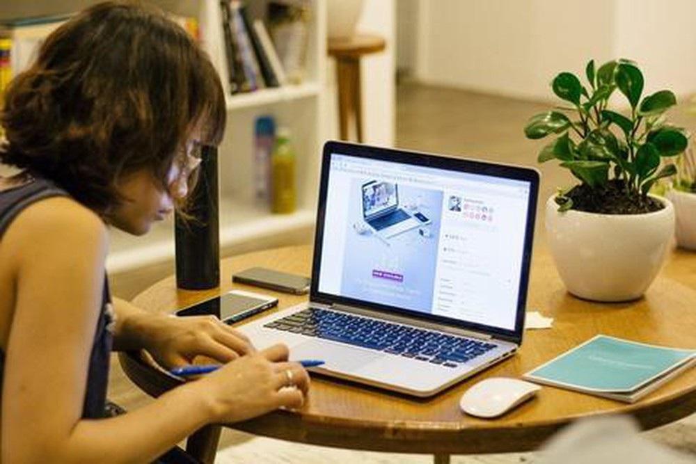 Nở rộ dịch vụ cho thuê máy tính, laptop giá rẻ để