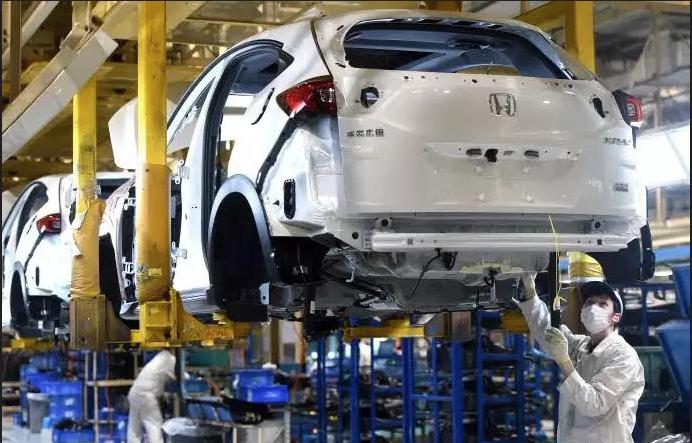 Thị trường ô tô toàn cầu giảm mạnh vì Covid-19