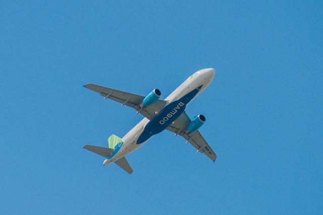 Việt Nam tổ chức chuyến bay nhân đạo đưa gần 200 người châu Âu về nước - 1