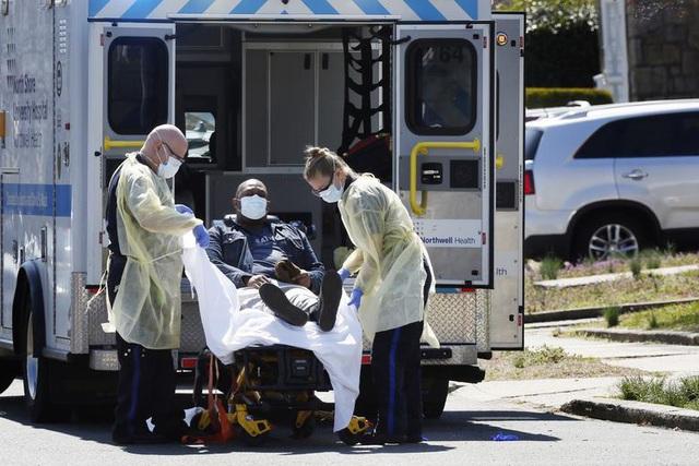Số người chết vì Covid-19 ở Mỹ tăng kỷ lục, hơn 212.000 người mắc bệnh - 1