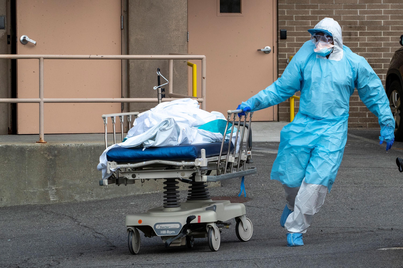 Ngày chết chóc nhất ở Mỹ vì Covid-19, hơn 1.000 người chết trong 24h