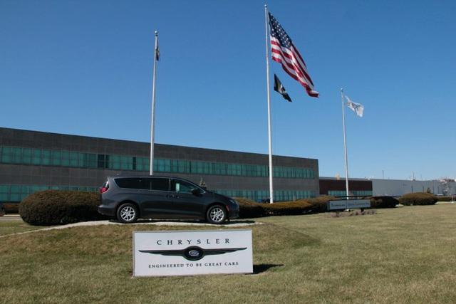 Các hãng xe Mỹ xác nhận thêm trường hợp nhân viên tử vong vì Covid-19 - 1