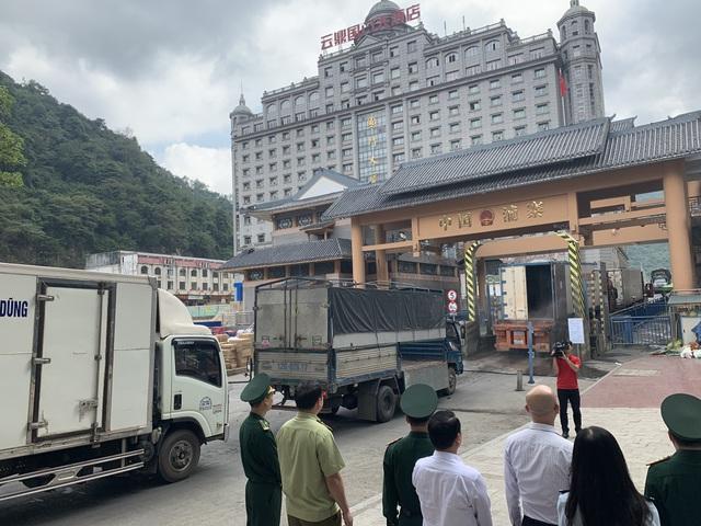 Trung Quốc siết hàng rào nhập cảnh tại 7 tỉnh biên giới Việt Nam - 1