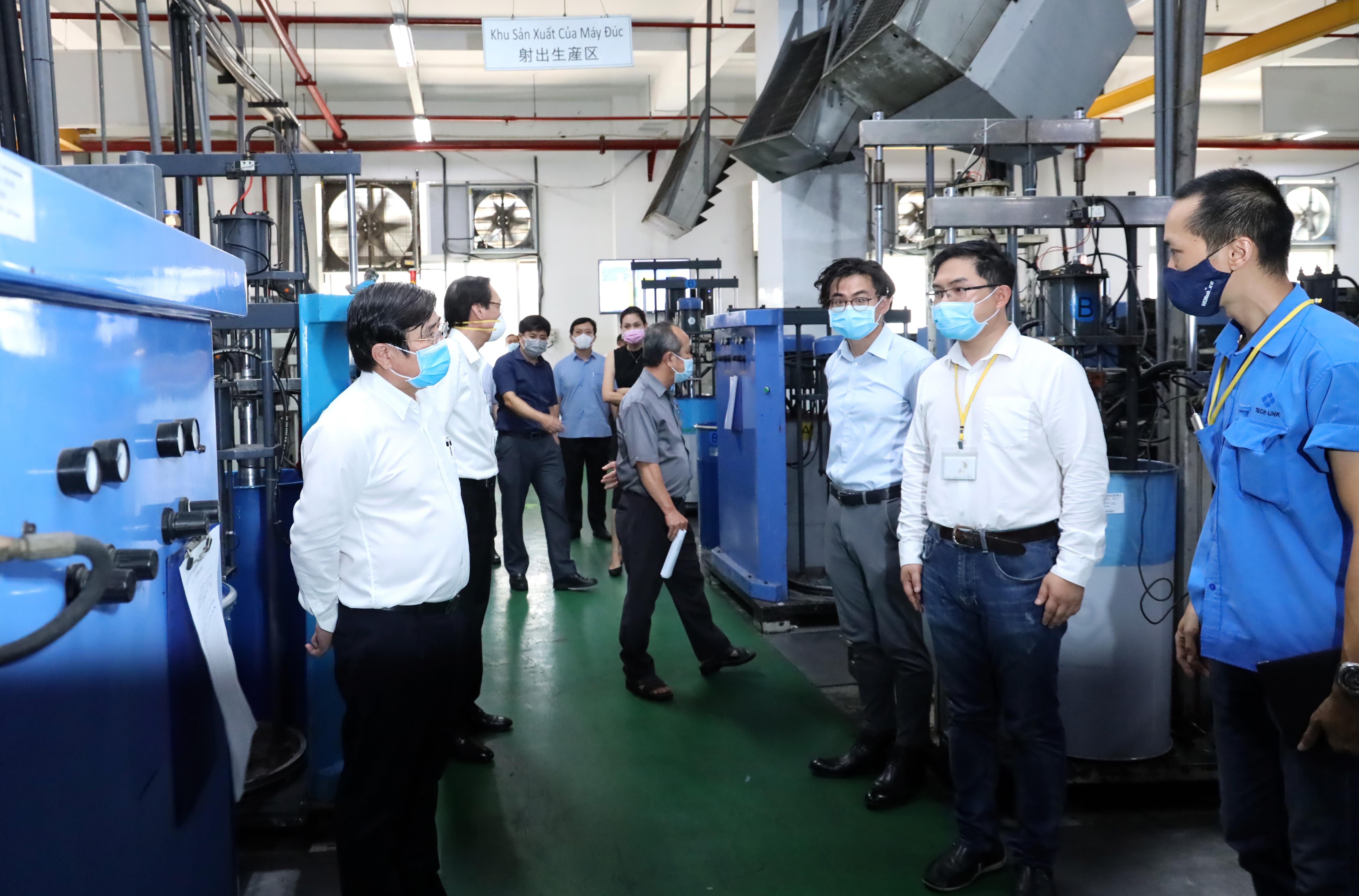 Gần 7.000 công nhân khu chế xuất Tân Thuận mất việc vì Covid-19