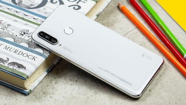 """Những smartphone cấu hình tốt có mức giá """"mềm"""" nhất hiện nay - 6"""