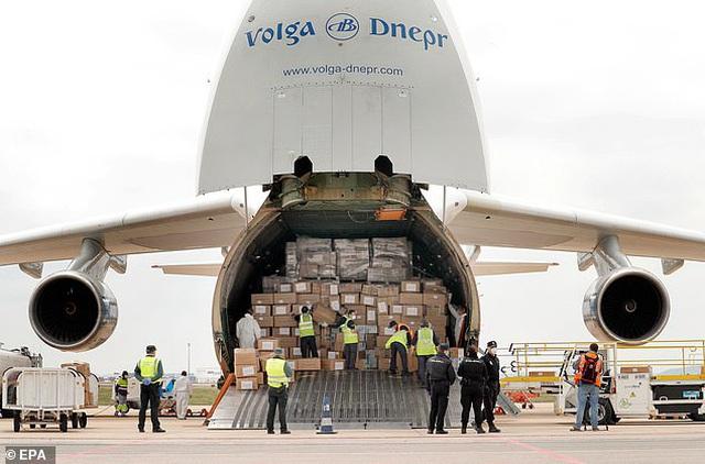 Trung Quốc ép Ý mua lại lô khẩu trang từng quyên góp cho tâm dịch Vũ Hán - 1