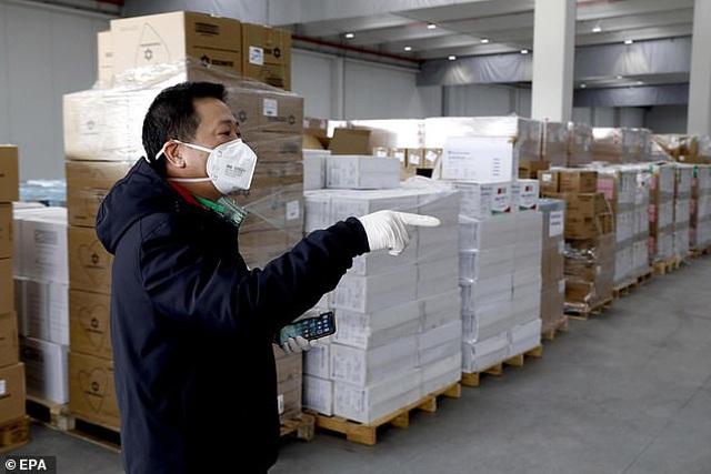Trung Quốc ép Ý mua lại lô khẩu trang từng quyên góp cho tâm dịch Vũ Hán - 2