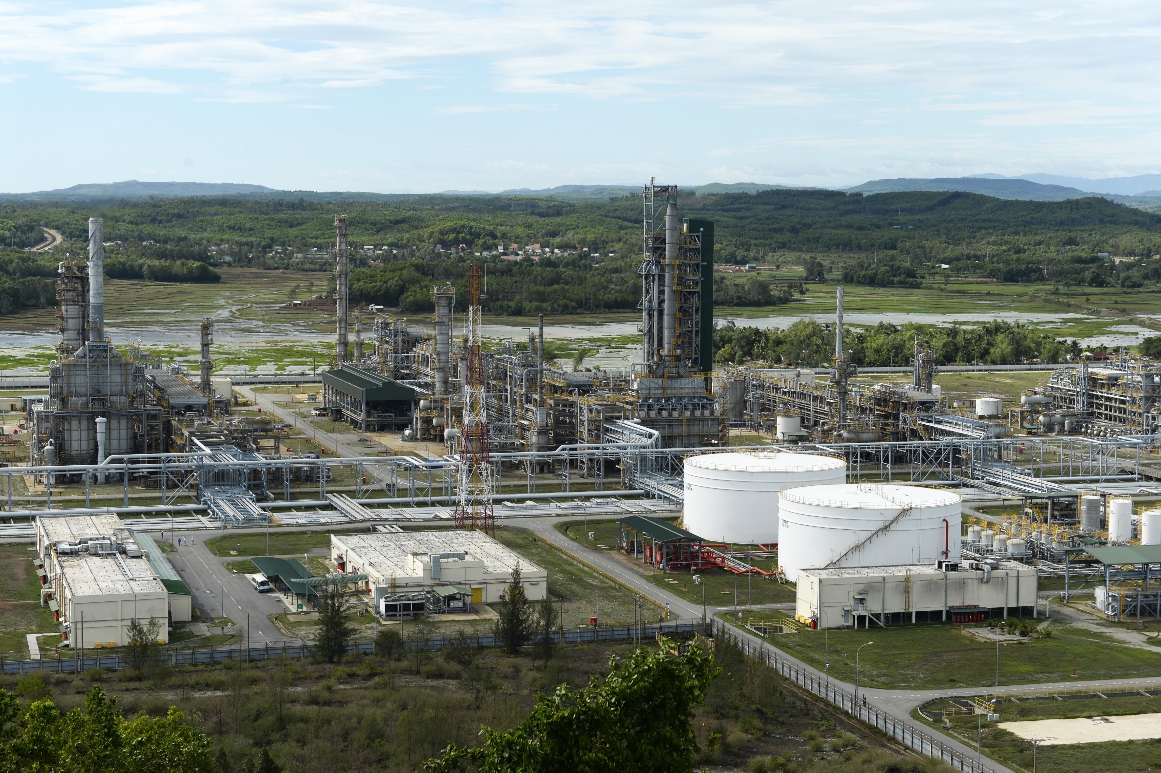 """Quyết nhanh giải pháp """"cấp cứu"""" trước khi các nhà máy lọc dầu kiệt sức, ngừng hoạt động"""