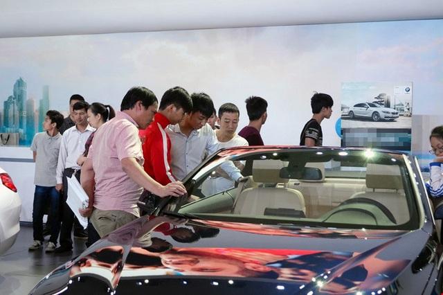 Cơ hội giảm lệ phí trước bạ: Xe rẻ, mua ô tô giảm cả trăm triệu - 1