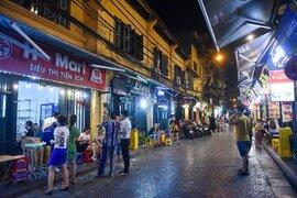 Hàng quán phố cổ thi nhau sang nhượng, đến Tạ Hiện cũng chung cảnh đìu hiu