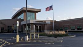 Tại sao các bệnh viện ở Mỹ sẽ bị phá sản?