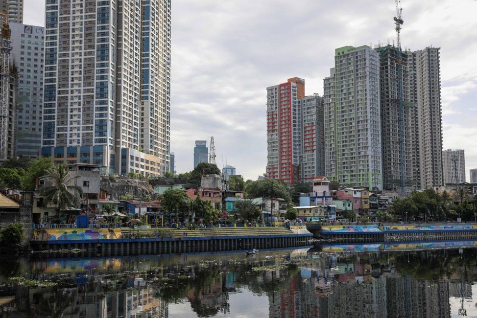 Philippines đối mặt với suy thoái kinh tế sau 2 thập kỷ tăng trưởng mạnh mẽ