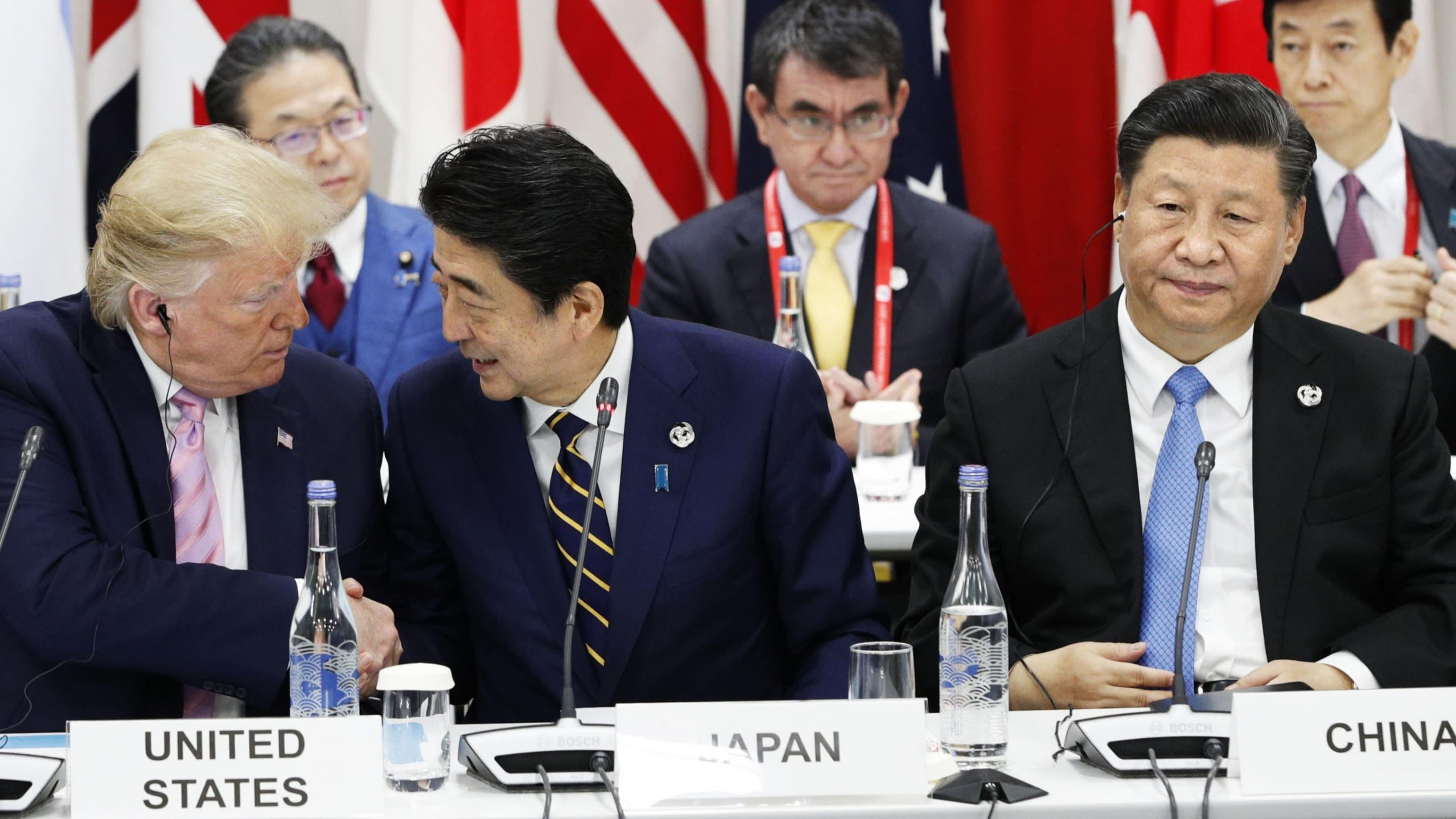 """Thủ tướng Nhật bất ngờ kêu gọi thực thi chính sách kinh tế """"thoát Trung"""""""