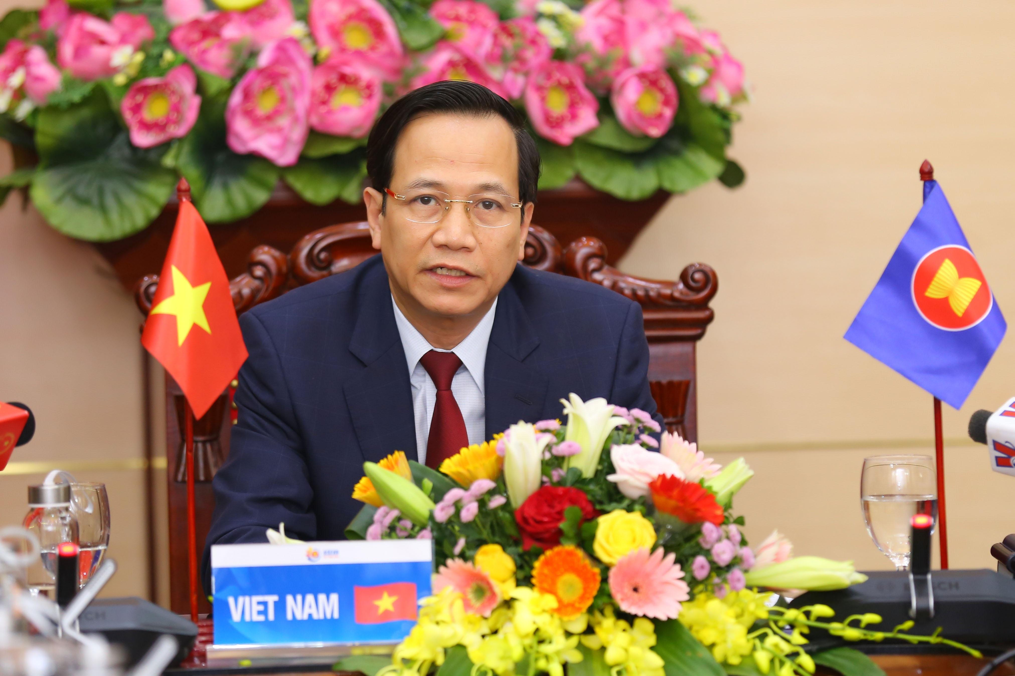 """Bộ trưởng Đào Ngọc Dung: """"Khoảng 670.000 người mất việc làm do Covid-19"""""""