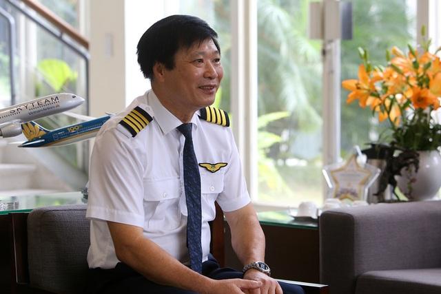 Gặp người phi công cơ trưởng tài ba sau chuyến bay rời bầu trời - 4