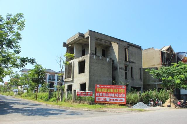 Hà Tĩnh: Hàng chục căn biệt thự hạng sang bỏ hoang giữa lòng thành phố - 12