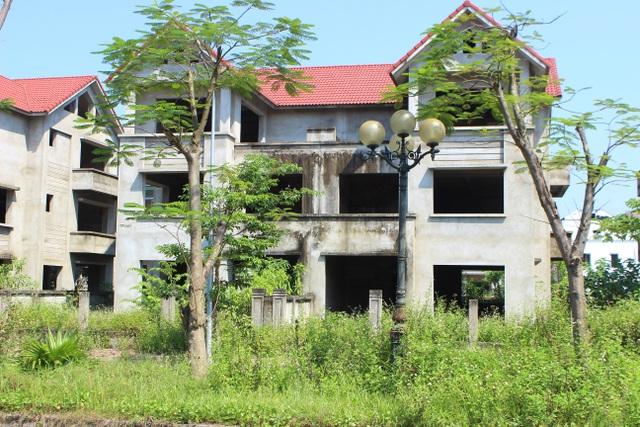 Hà Tĩnh: Hàng chục căn biệt thự hạng sang bỏ hoang giữa lòng thành phố - 4