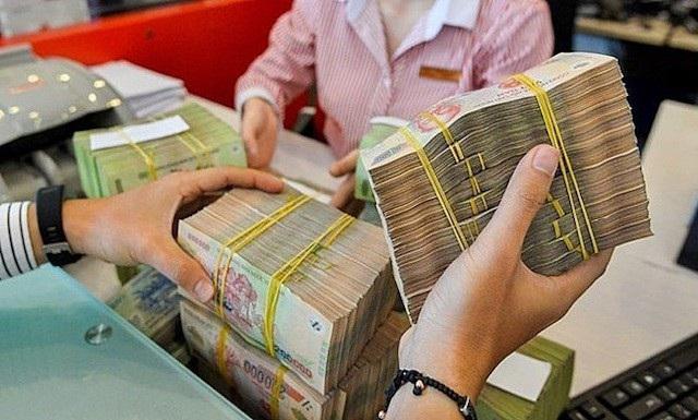 Ngân hàng bất ngờ bị ngành Thuế truy thu thuế VAT gần 10 năm - 1
