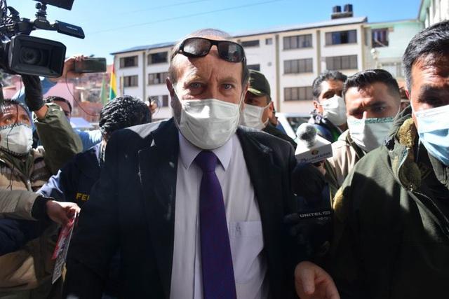 """Bộ trưởng Y tế Bolivia bị bắt vì nghi """"thổi giá"""" 179 máy thở nhập khẩu - 1"""
