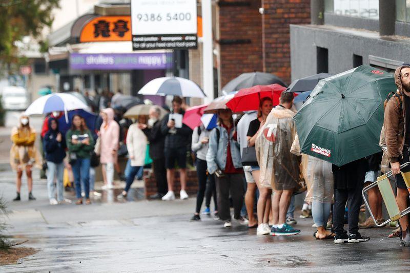 Australia Passes Massive Stimulus Measures as Virus Spreads