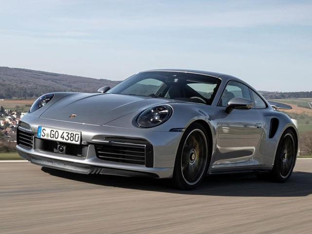 Khách hàng có thể xem Porsche sản xuất xe mình đặt mua qua điện thoại - 9