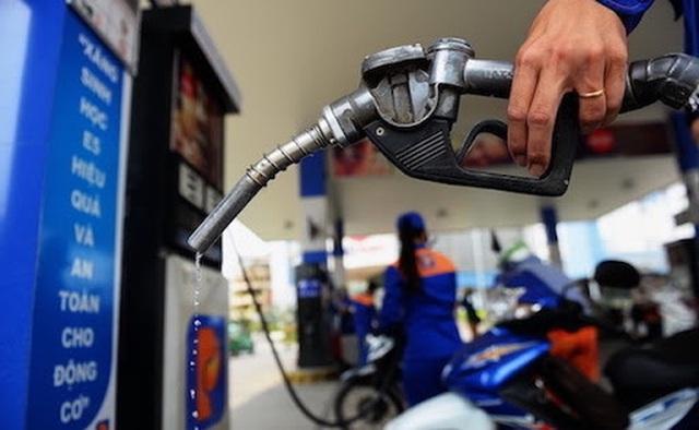 """Xăng dầu thời kỳ """"đặc biệt, DN bán lẻ nghi đầu mối găm hàng, chờ tăng giá - 1"""