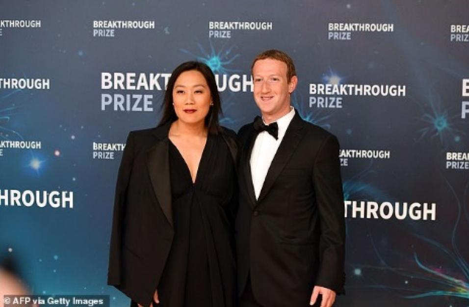 Mark Zuckerberg vượt lên Warren Buffett trong top giàu nước Mỹ