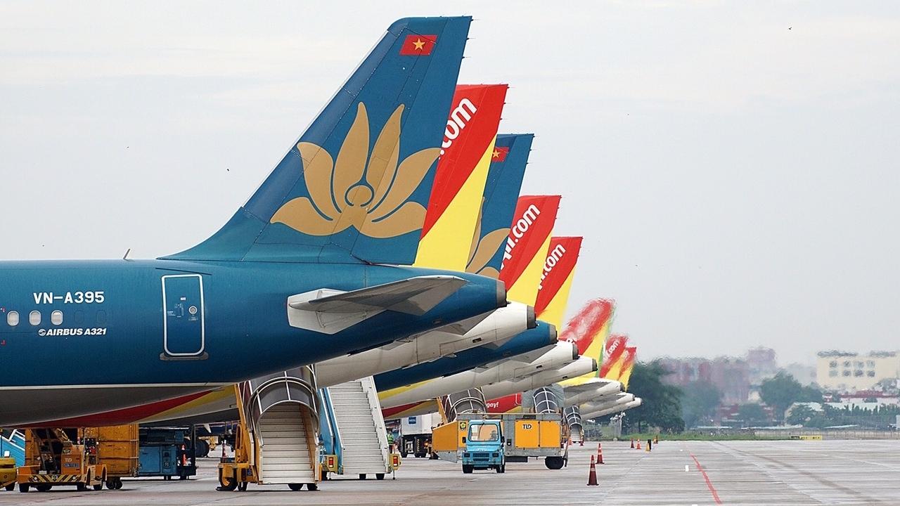 Bộ Tài chính giảm phí và lệ phí hàng loạt dịch vụ  cứu ngành hàng không