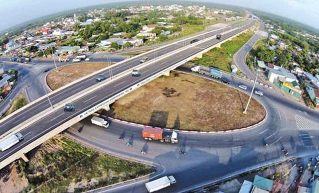 """Trình Quốc hội xem xét 3 phương án đầu tư """"đại dự án"""" cao tốc Bắc - Nam - 1"""