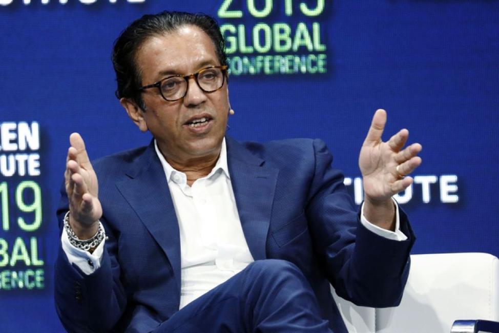 Thua lỗ gần 18 tỷ USD, nhà quản lý quỹ đầu tư của Softbank vẫn được tăng lương khủng