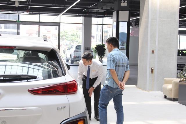 Giảm hàng loạt thuế phí xe hơi: Dân Việt sắp được mua xe giá rẻ - 1