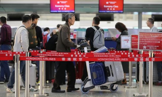 Người giàu Hong Kong mua nhà ở nước ngoài, tìm cách di cư - 1