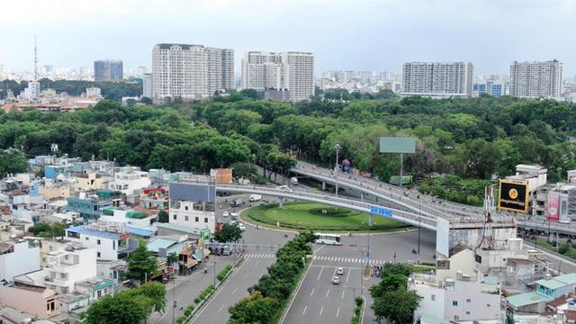 Chung cư trăm hoa đua nở dọc đại lộ đẹp nhất Sài Gòn - 1