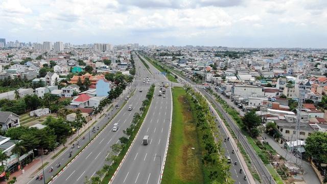 Chung cư trăm hoa đua nở dọc đại lộ đẹp nhất Sài Gòn - 22