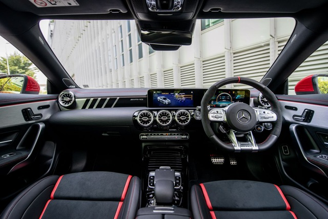 Mercedes đưa CLA 45S AMG tới Malaysia với giá bán khủng - 11