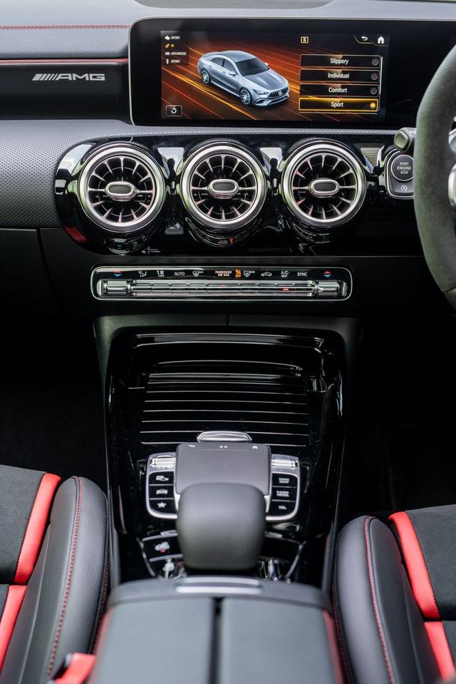 Mercedes đưa CLA 45S AMG tới Malaysia với giá bán khủng - 14