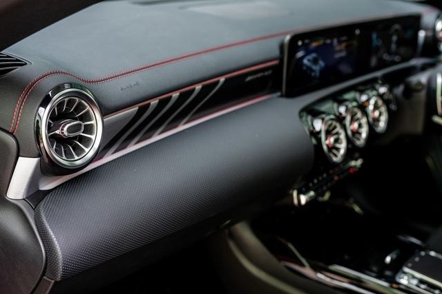 Mercedes đưa CLA 45S AMG tới Malaysia với giá bán khủng - 20