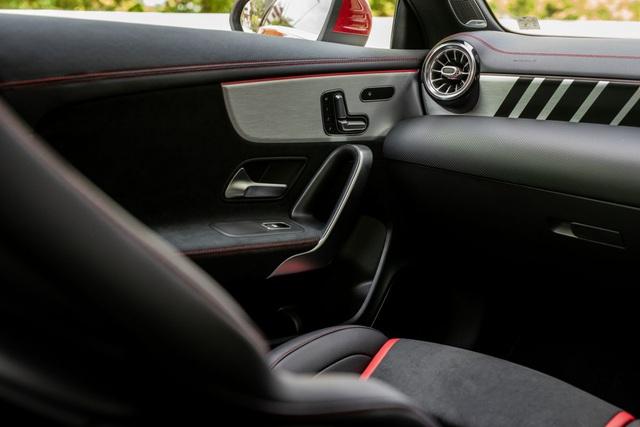 Mercedes đưa CLA 45S AMG tới Malaysia với giá bán khủng - 23