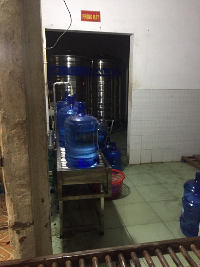 Cận cảnh quy trình hô biến nước mương thải thành nước uống đóng bình - 3