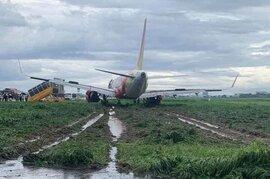 Tịch thu bằng lái phi công điều khiển máy bay hạ cánh trượt khỏi đường băng